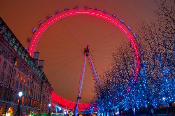 the London eye at night